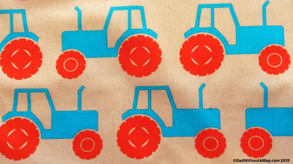 Grobag Trundling Tractors print